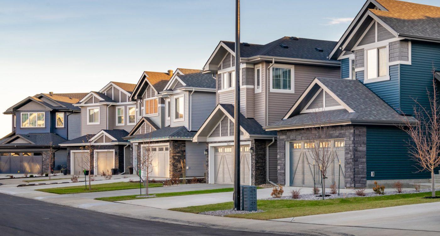 Edmonton New Homebuyer's move to Brenton at Glenridding Ravine to take Advantage of Lot Upgrades